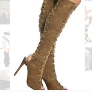 Cape Robbin NWOT Tan Olga Gladiator Heels Size6.5